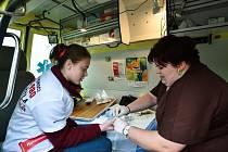OSVĚTOVÁ TRAMVAJ upozorňovala na nárůst nakažených virem HIV, zároveň radila s prevencí.