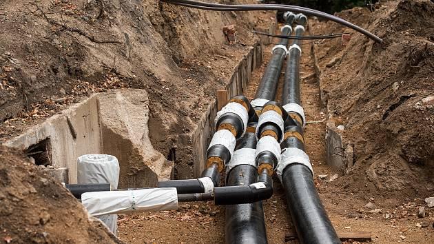 V rámci projektu GreenNet jsou v Liberci měněny staré parovody za nové úspornější horkovody.