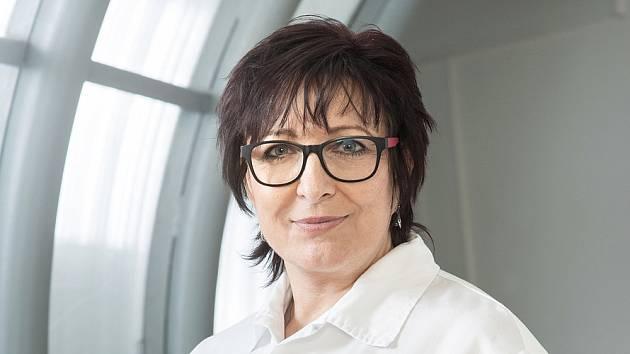 Marie Fryaufová působí v Krajské nemocnici v Liberci jako ředitelka ošetřovatelské péče. Laicky řečeno vykonává funkci hlavní sestry.