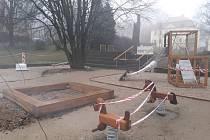 V Liberci připravují dětská hřiště na jarní sezónu.