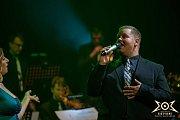 Marek Ottl během Vánočního koncertu Big'O'Bandu v libereckém divadle v roce 2018.
