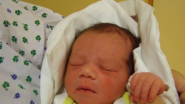 Eliška Nýdrlová se narodila v liberecké porodnici mamince Pavlíně Nýdrlové z Liberce. Vážila 3,4 kg a měřila 48 cm.