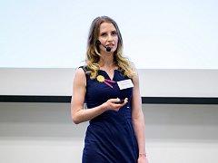 Markéta Klíčová při prezentaci své práce.