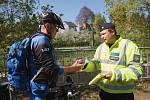 Policejní bezpečnostní akce na liberecké cyklostezce.
