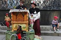 Flašinetáři ze čtyř zemí hráli během festivalu Liberecký flašinetář pro radost v centru Liberce