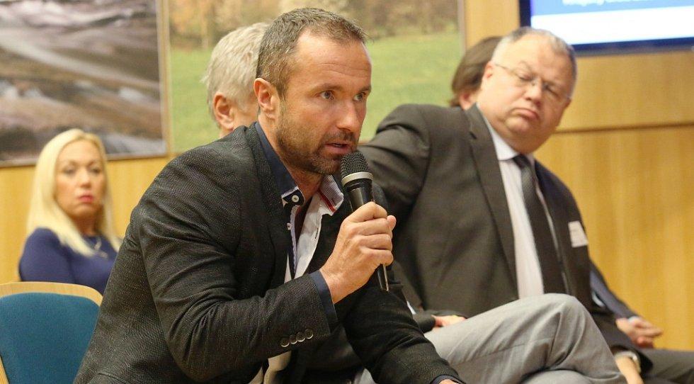 Multifunkční sál Krajského úřadu v Liberci se diskutovalo nad problematikou zdravotnictví.