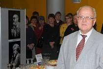 Miroslav Macháček při zahájení výstavy.
