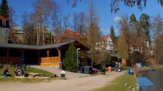 Restaurace na Liberecké přehradě.