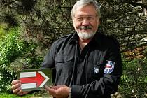 Kouzlu turistického značení propadl Zdeněk Rajsigl před patnácti lety, dnes je šéfem značkařů v kraji.