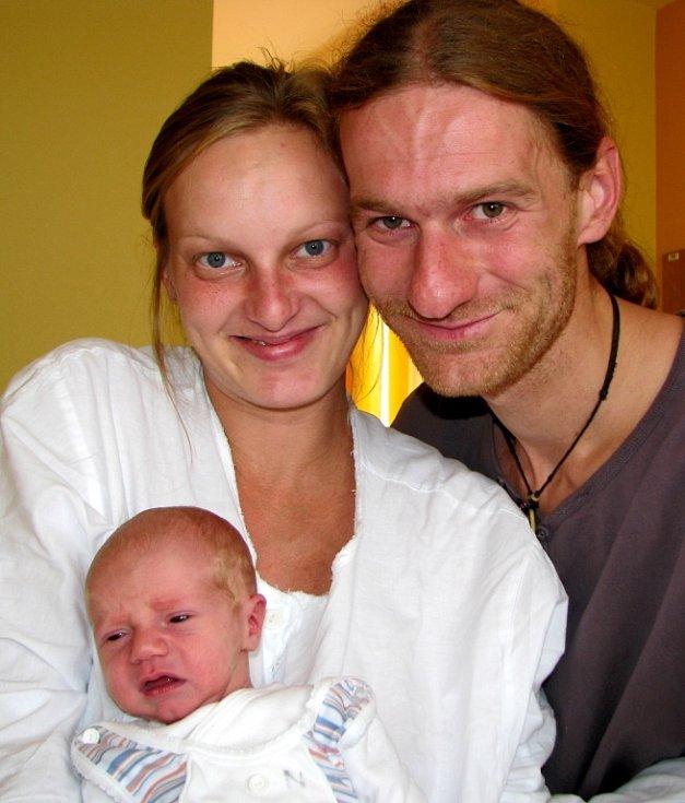 Matěj Dušátko se narodil 6. září rodičům Ivetě a Radkovi Dušátkovým z Liberce. Měřil 53 cm a vážil 3,15 kg. Blahopřejeme!