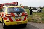 Při srážce osobního automobilu s traktorem na Frýdlantsku se lehce zranila mladá řidička.