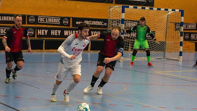 Futsalisté Liberce doma těsně podlehli Teplicím 1:2. Na snímku vlevo je Viktor Žampa a vpravo kapitán Pavel Bína.
