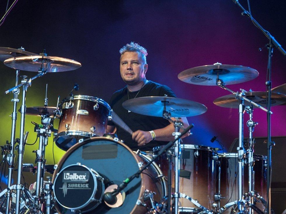 Hudební festival Benátská noc 26. července v Liberci. Bubeník Robban Bäck ze skupiny Sunrise Avenue.