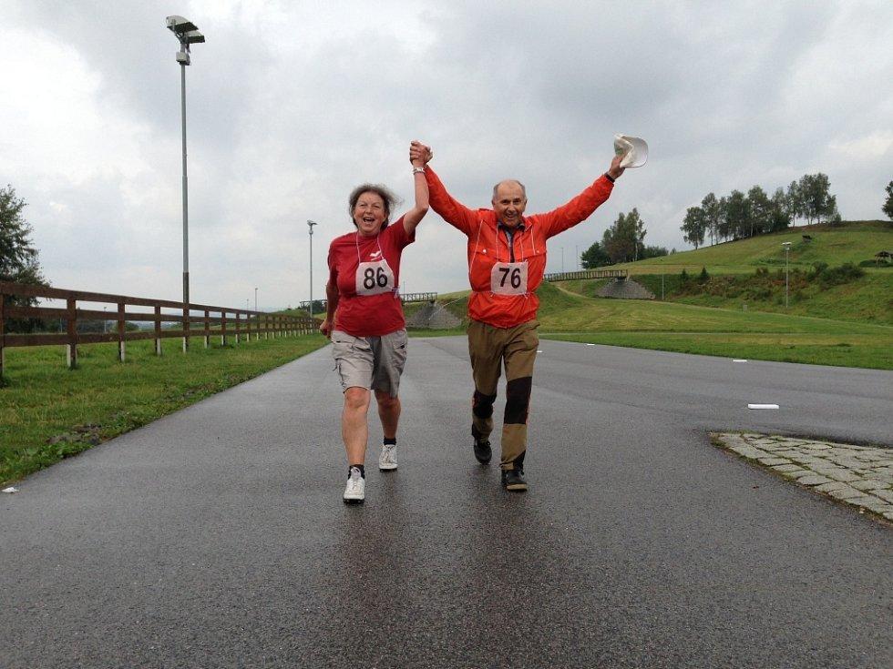 Seniorská míle (závod v chůzi o délce 1,6 kilometru).