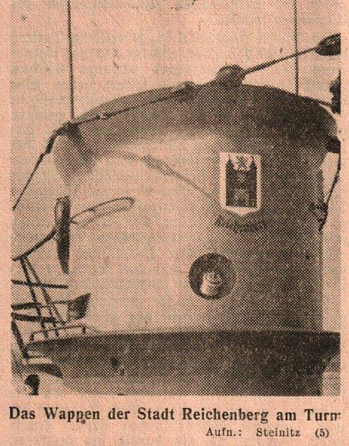 Znak Liberce na věži U-206.