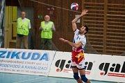 Utkání 6. kola volejbalové UNIQA Extraligy se odehrálo 4. listopadu v Liberci. Utkaly se celky VK Dukla Liberec a VK Ostrava. Na snímku je Václav Kotas.