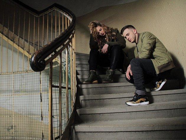 PROPOJIL OPERU A HIP HOP. V novince raper spolupracuje se operní pěvkyní Ester Pavlů.