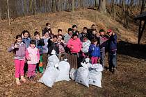 O víkendu proběhla úklidová akce Ukliďme svět, ukliďme Česko, do které se zapojila i Základní škola speciální ve Frýdlantu.