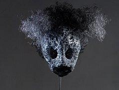 Xénie Hoffmeisterová maluje i vytváří trojrozměrné artefakty
