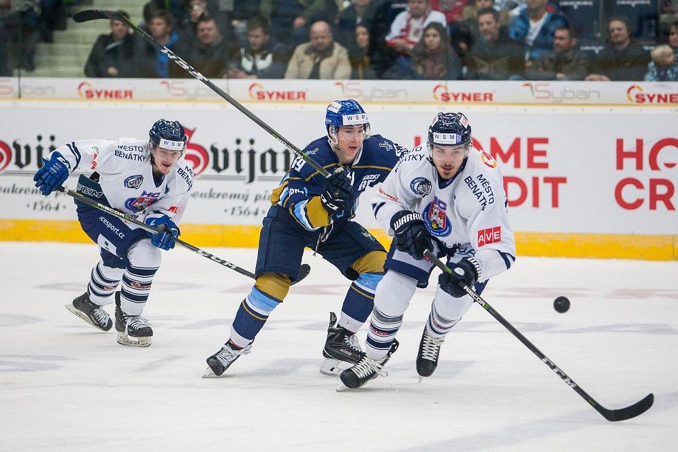 Utkání 46. kola WSM ligy ledního hokeje se odehrálo 3. února v liberecké Home Credit areně. Utkaly se celky HC Benátky nad Jizerou a Rytíři Kladno. Na snímku v modrém je Adam Kubík.