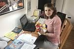 Kateřina Svobodová působí jako učitelka v Mateřské škole Hvězdička v Liberci. Aktuálně probíhá výuka on-line.
