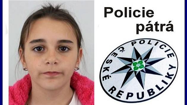 Kriminalisté již téměř 14 dní pátrají po 12leté dívce, která je chovankyní Dětského diagnostického ústavu v Liberci. Lucie Vinšová utekla ze zahrady zařízení v pondělí 10. června krátce po 17. hodině.