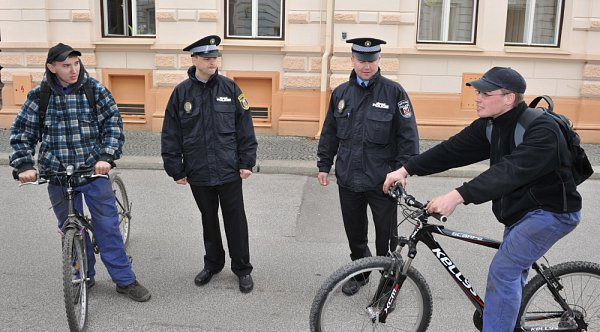 Ve Frýdlantě začala opět sloužit městká policie.