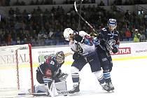 Hokejisté Kladna si poradili s Libercem, jemuž připravili první porážku v sezoně.