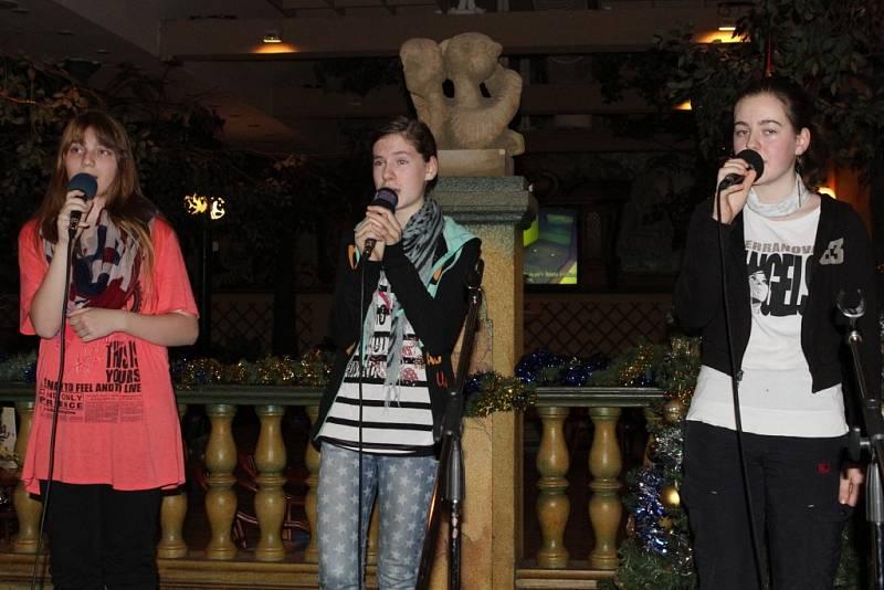 Česko zpívá koledy - Liberečané zpívali i v Zábavním centru Babylon
