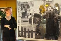 PORTRÉT. Téma společné výstavy pěti fotografů z libereckého klubu Obscura. Na vernisáži.