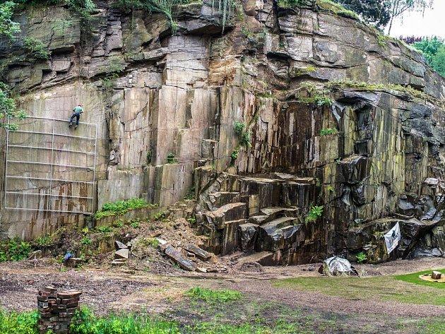 V centru Liberce vzniká horolezecká aréna.