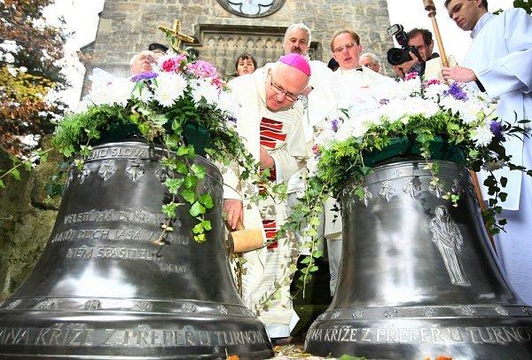 VPřepeřích zazvonily po letech kostelní zvony.