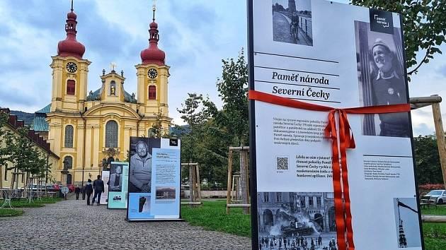 V parku před kostelem Navštívení Panny Marie v Hejnicích si výstavu budete moci prohlédnout až do 21. října.