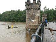 V pátek 22. července se kolem 11 hodiny zcela naplnila přehrada Fojtka. Prý by pomohlo, kdyby v předstihu vypouštěla.