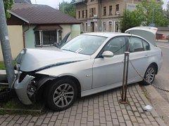 Řidič si spletl brzdový pedál s plynovým.
