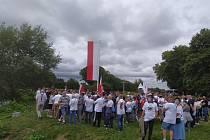V Trojzemí, kde se v jednom místě potkává hranice Polska, Německa  a Česka se sešli odpůrci rozšiřování těžby na hnědouhelném dole Turów.  Protest proti Turówu narušili obránci těžby z řad zaměstanců dolu a přilehlé elektrárny polostátní společnosti PGE.