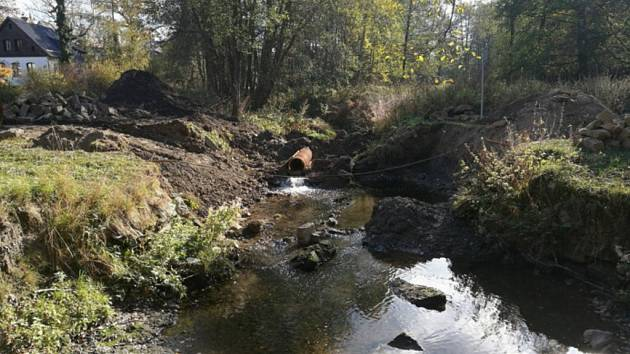 Oprava mostu v Údolní ulici.
