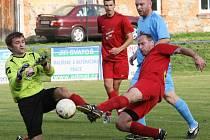 Mistrovské utkání ve fotbale muži Okresního přeboru mezi Bílým Kostelem a Jindřichovicemi pod Smrkem