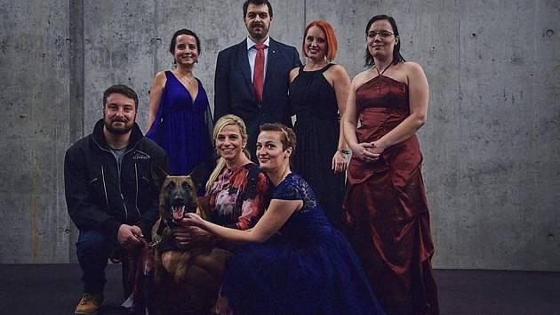 První charitativní ples spolku Šance zvířatům.