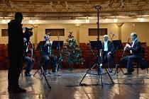 V prvním z Adventních on-line koncertů DFXŠ se představí kompletní klarinetová sekce divadelního orchestru.
