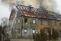 Požár budovy v Jablonném v Podještědí.