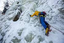 Přírodní ledopád v Krkonošském národním parku v Labském dole.