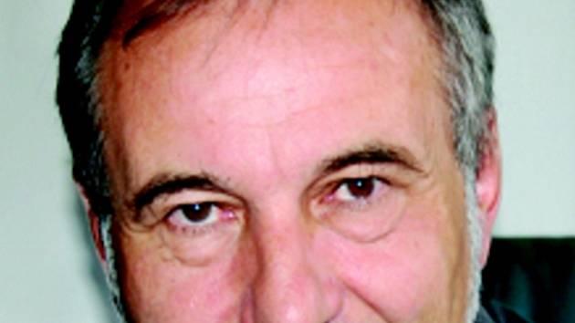 Ředitel divadla F. X. Šaldy v Liberci, František Dáňa.