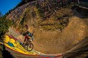 Finále závodu světové série horských kol ve fourcrossu JBC 4X Revelations proběhlo 14. července v bike parku Dobrý Voda v Jablonci nad Nisou. Na snímku zprava Tomáš Slavík a Felix Beckeman.