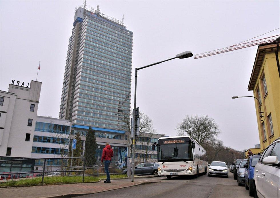 Od prosince 2020 se cestující dočkají většího počtu bezbariérových autobusů. Vozidla budou nasazena zejména na linky zLiberce do Chrastavy (linka 70), Jablonce nad Nisou (linka 141) a Stráže pod Ralskem (linka 270).