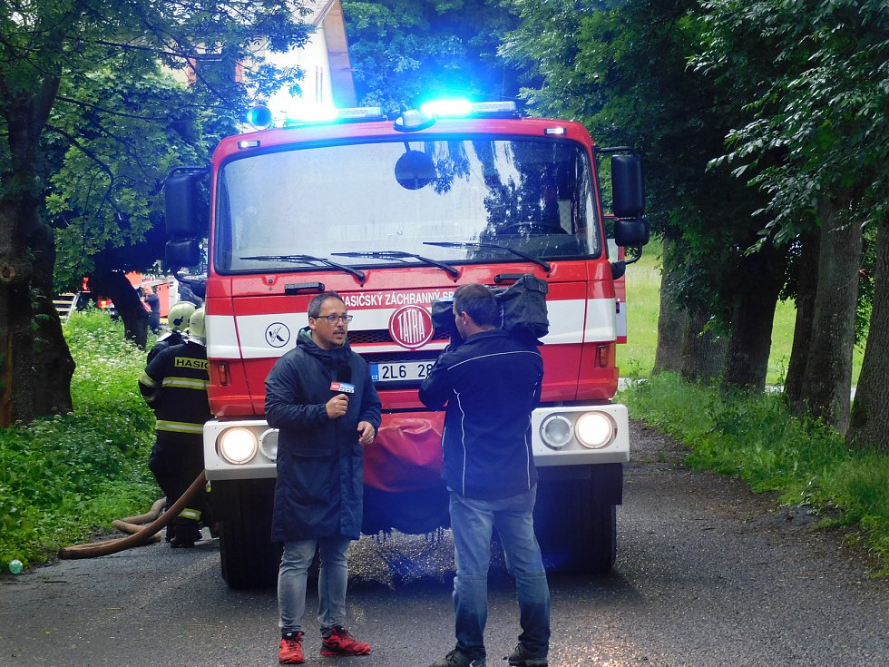 U požáru pivovaru ve Vratislavicích nad Nisou zasahovalo 10 jednotek. Požár vypukl ve sladovně kolem čtvrté hodiny ráno.