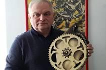 Věroslav Kollert s pohárem