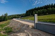 Výstavba nové silnice z Jablonce nad Nisou do Liberce, která by měla být otevřena na konci května tohoto roku.