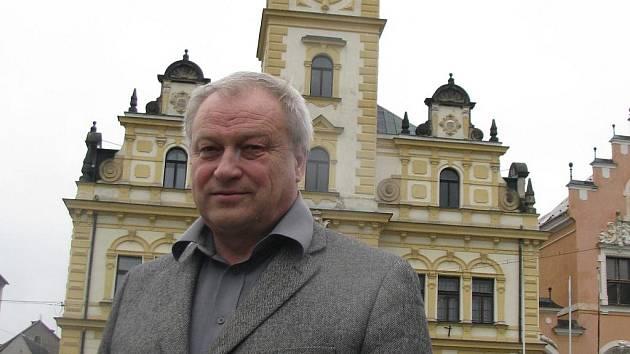 Hodkovice schválili plán priorit na další rok. Na snímku starosta Antonín Samek