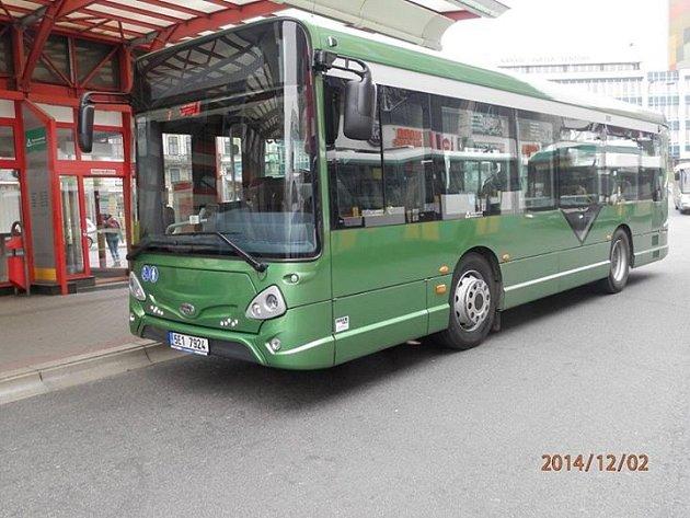 Dopravní podnik testuje nové autobusy. Koupit je ale nemá v plánu.